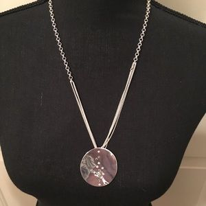 🆕 AUTHENTIC KENNETH COLE SILVER ROUND NECKLACE